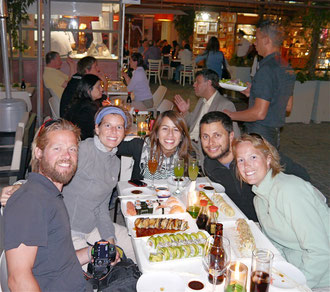 Pieter, Deborah, Claudia, Dean & Marlies having Sushi for dinner at Bella Vista, Santiago, Chile (click to zoom)