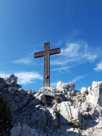 Bosruck Gipfelkreuz - nach dem Aufstieg über Lahnerkogel und Kitzstein vom Pyhrnpass
