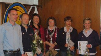 geehrt für 25 J. Mitgliedschaft: v.r: Martina Rademacher, Annemarie Arns, Hannelore Holterhof, Mechthild Rademacher und Johannes Wurm