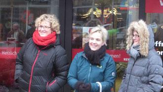 Treue SG-Fans: Birgit, Martina und Gerlinde   (weitere Fotos unten)