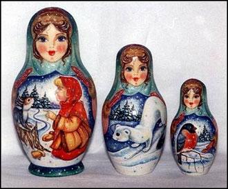 Три матрёшки, три сестрички; большая, поменьше, маленькая