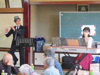 午前中の演奏、大好きなTakano&Miyukiです