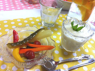 カレーピクルスと桃の冷製ポタージュ