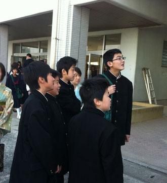 中学校入学式当日のクラス発表
