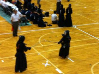 波多江剣道スポーツ団(左)VS剣志館(右)