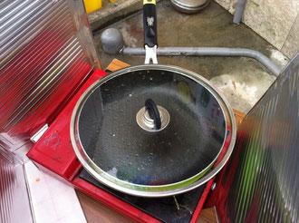 ポップコーンを作るフライパン
