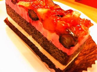 かっぱ寿司苺とベリーのケーキ