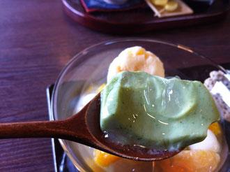 牛島製茶玉露の豆乳杏仁豆腐