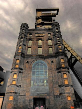 """Der Malakoffturm in Bottrop ist der Inszenierungsort der neuesten Produktion """"The Lighthouse"""" des Regisseurs Thomas Grandoch. Foto: Stadt Bottrop"""