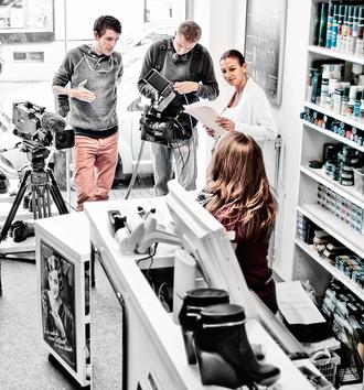 Filmaufnahmen für ZDFInfo in der Schuhmacherei Baumbach