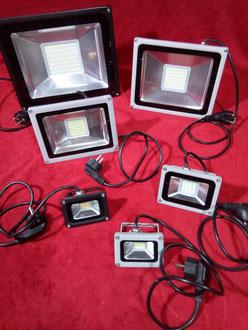 LED Strahler mit ca. 1 Meter Kabel und Stecker