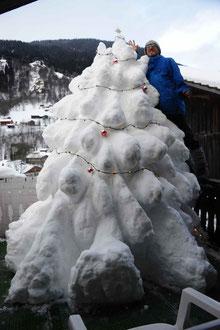 Tanne aus Schnee 2012/13 / Christmas tree of snow 2012/13