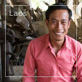 Laos - Schmuck aus alten Blindgängern