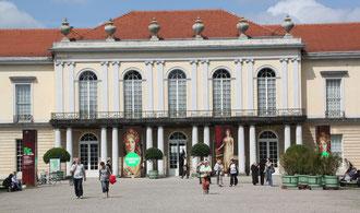 Ausstellung im Seitenflügel Schloss Charlottenburg. Foto: Helga Karl
