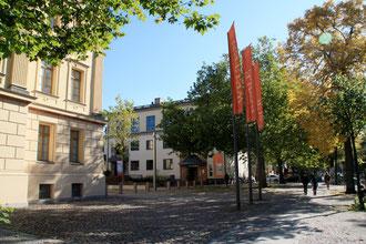 """Charlottenburgs """"Museumsviertel"""". Schlosstrasse / Spandauerdamm. Foto: Helga Karl"""