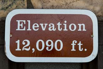 ... auf etwa 3.685 m höhe.