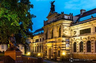 Dresden bei Nacht - Albertinum