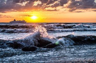 Morgengischt am Strand beim Königsstuhl