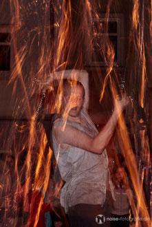 Feuershow mit Cedrus Inflamnia - Nachtglühen beim 15. Metallgestaltertreffen - Gotha glüht 2011