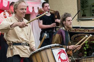Saltatio Draconum beim mittelalterlichen Blütenfest in Neufrankenroda 2014