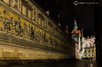 Dresden bei Nacht - Fürstenzug