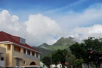 Guadeloupe, vue sur la Soufrière de Saint-Claude