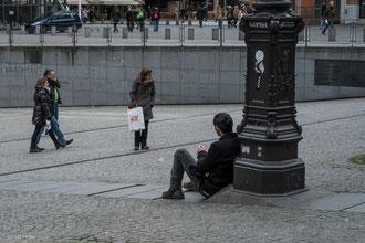 Paris, Beaubourg, Parvis en solitaire