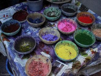 Pigments de couleur naturels pour teinture à Marrakech au Maroc