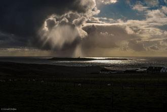 Pluie sur une île du Donegal en Irlande