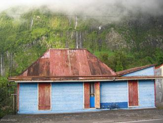 Case au Voile de la Mariée, cirque de Salazie, Ile de la Réunion