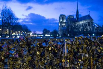Paris, pont des Arts, cadenas de l'amour