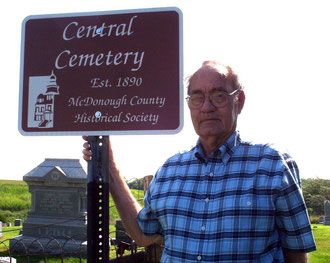 Neal Null - Central Cemetery.