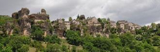 Claude : Le village