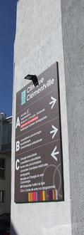 panneau directionnel Clinique Clémentville