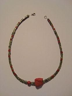 Serpentin und Jaspis Rot