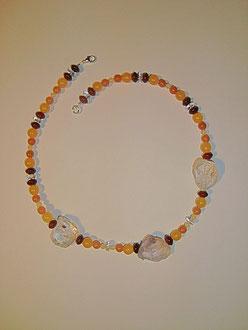 Orangencalcit, Aventurin, Jaspis mit Bergkristall