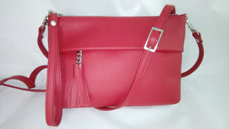 maroquinerie française, sac à main artisanal, sac rouge, luxe, sac fabrication française, sac haut de gamme, made in France, sac fait main