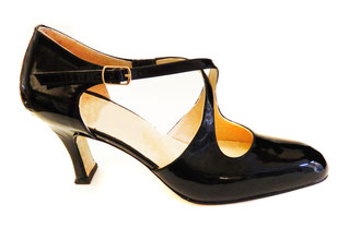 bespoke shoes, made to order shoes, handmade shoes, made in rome, made in italy, hearth, hearth fashion, fashion, slow fashion, artisanal shoes, handcrafted shoes