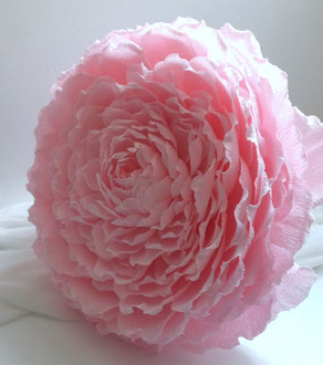 Rose géante papier crépon avec tige- art papier Paris décoration