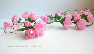 Guirlande de mini-roses en papier décoration murale à accrocher , atelier Maria'S