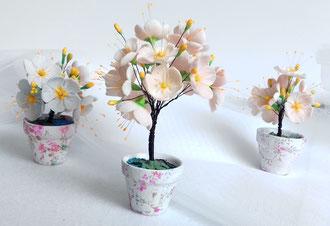 Création fleurs en porcelaine froide