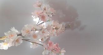 Création papier crépon, petite branche de fleurs cerisier