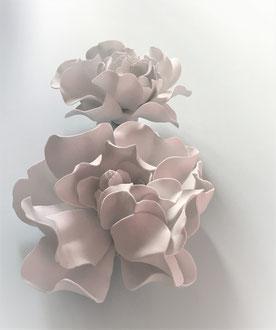 Création de fleurs en gomme EVA modelés et  ignifugée /atelier Maria Salvador