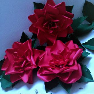 fleurs en papier cartonné