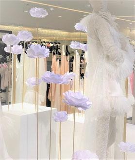 Création fleurs en papier cartonnée-Décoration pour Carine Gilson