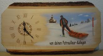 Kundenauftrag Holzuhr Airbrush