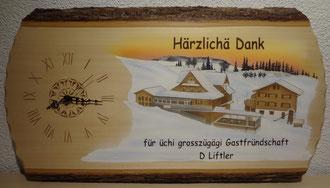 Kundenauftrag Holzuhr Geschenk