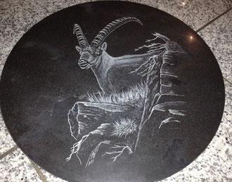 Kundenauftrag Steingravur auf Marmor Drehplatte Steinbock