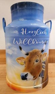 Milchkanne bemalt Airbrush Herzlich Willkommen