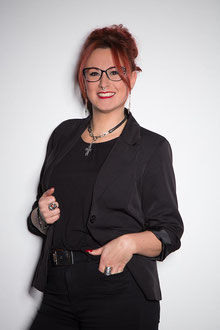 Miriam, Hairstylistin